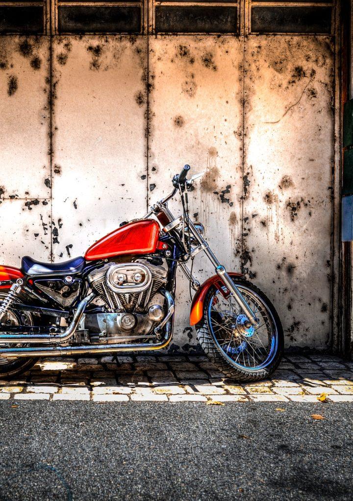 Jak zbudowany jest układ hamulcowy motocykla?
